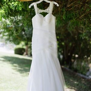 Wedding dress.Great fit Lace w/beaded shoulders
